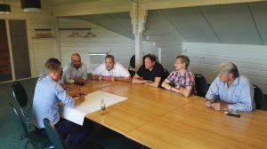 coaches aan tafel met van Gelder Liander en Cohezy Amsterdam